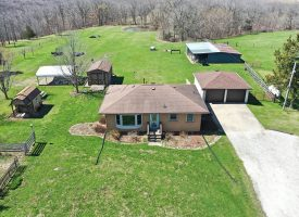 2 br/1 ba on 5 acres in Wapello County, IA