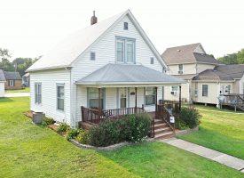 2BR/1.5BA home for sale in Ottumwa, IA