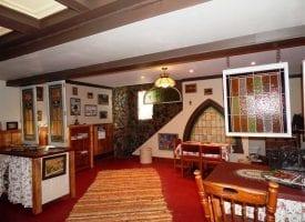 3 BR/ 2.5 BA Beautiful Log Home For Sale near Birmingham, IA